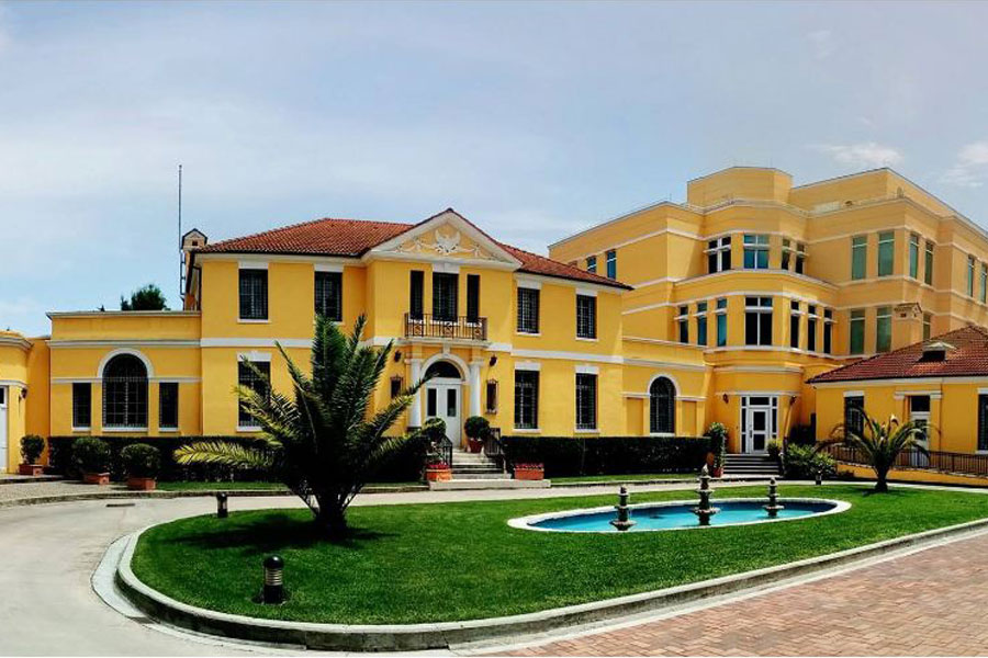 ambasada 1
