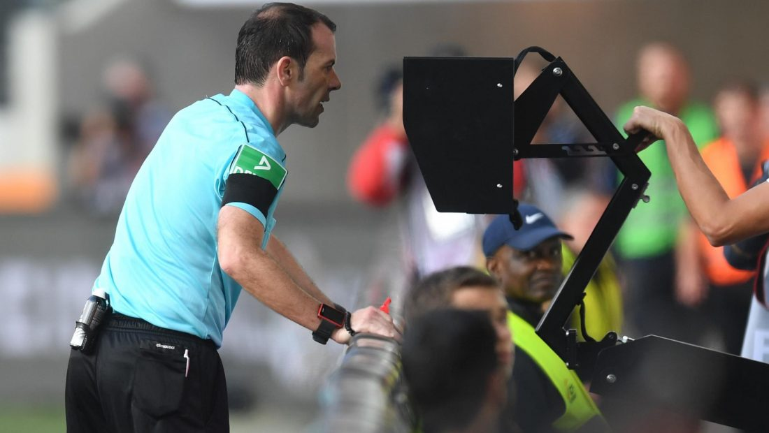 var video assistant referee 1100x620