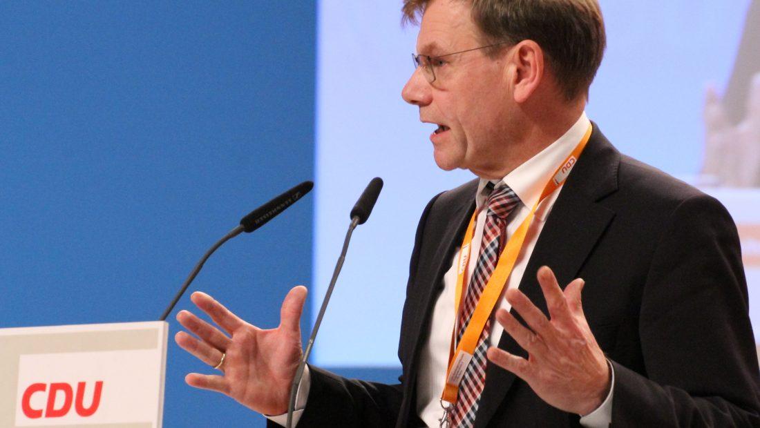 Johann Wadephul CDU Parteitag 2014 by Olaf Kosinsky 5 1100x620