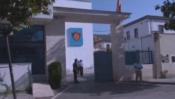 Vrasja e dyfishtë në Elbasan, arrestohet Ardian Çapja. Në kërkim, Florenc Çapja