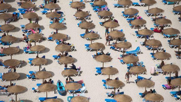 Spanja pret turistët britanikë pa karantinim