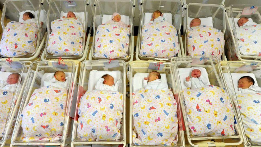 679095014 babys ohne haende fehlbildungen hand 6RPXse6Jef 1100x620