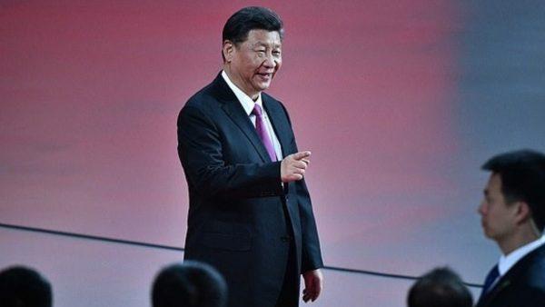 Presidenti kinez viziton Wuhan-in: Fitorja kundër koronavirusit është pranë