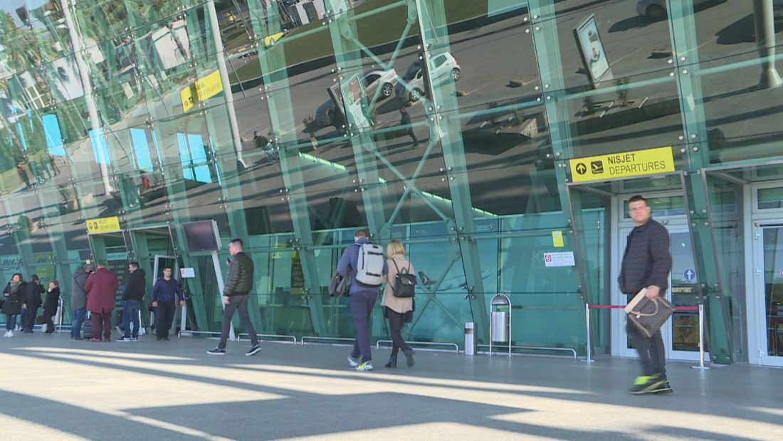 Aeroporti i Rinasit Emigrante Azil 1100x620