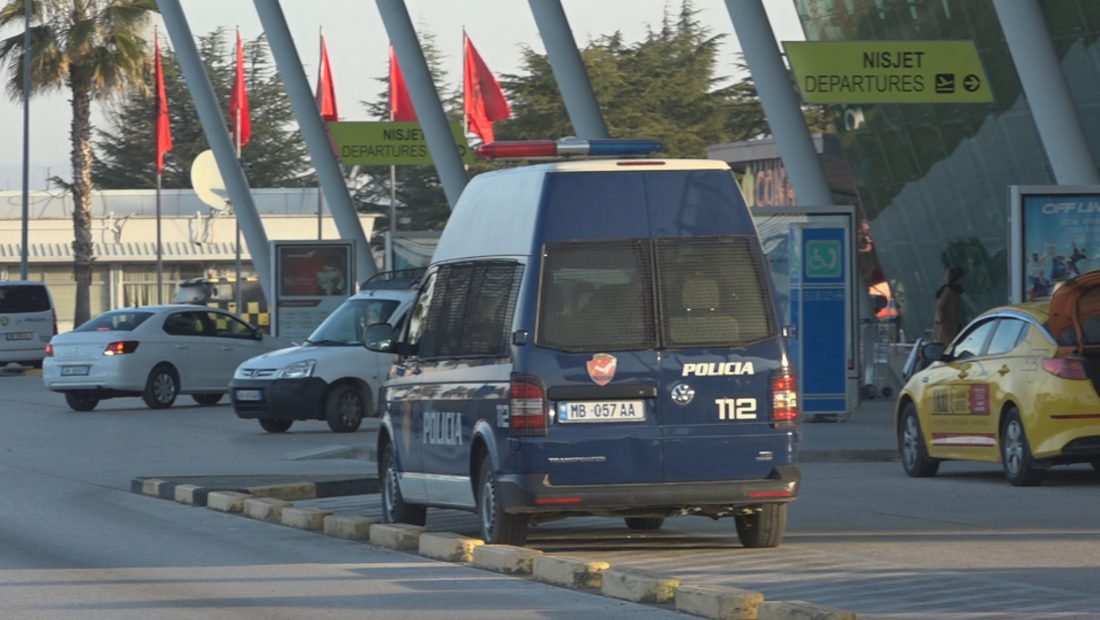 Aeroporti i Rinasit Koronavirusi Masat  1100x620