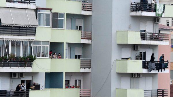 Foto nga ballkoni dhe stërvitje nga liqeni… e shtuna në Tiranën në karantinë