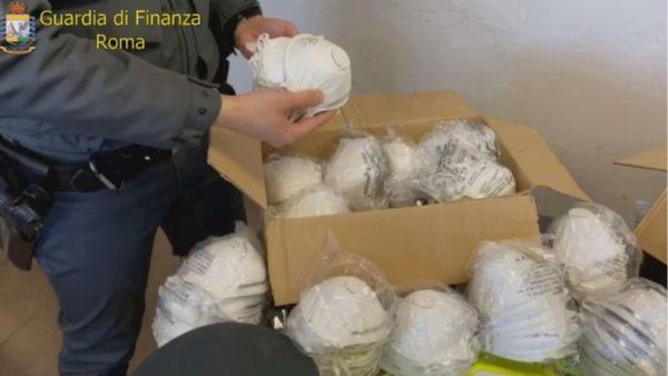 Sekuestrohen mbi 700 mijë maska në Itali