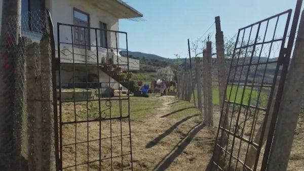 Çifti me koronavirus fut në karantinë të gjithë fshatin në Roskovec