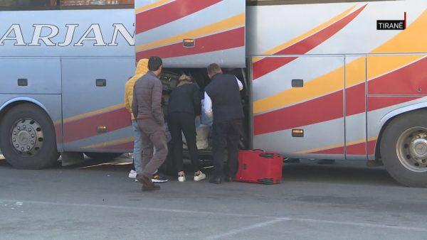 Nga Milano në Tiranë me autobus, pasagjerët shpërndahen për t'u vetëkarantinuar