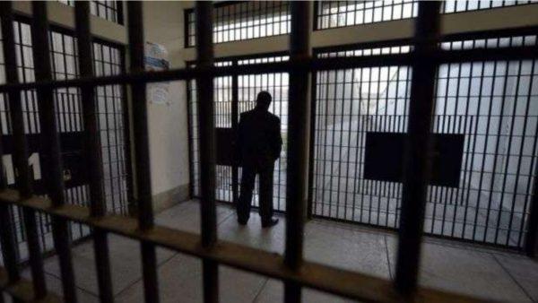 Emergjenca koronavirus, të burgosurat në Kosovë prodhojnë maska mbrojtëse