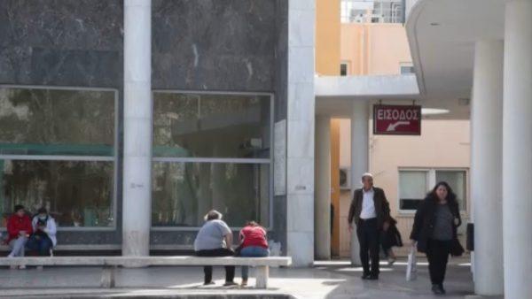 Greqia ndërpret fluturimet e mbetura me Italinë
