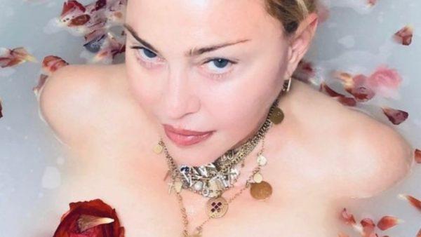 """""""Çmendet"""" Madonna: Koronavirusi i mrekullueshëm, na ka vënë shenjën e barazimit të gjithëve"""