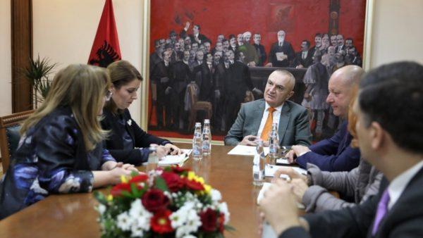 Koronavirusi në Shqipëri, Meta pret ministren Manastirliu