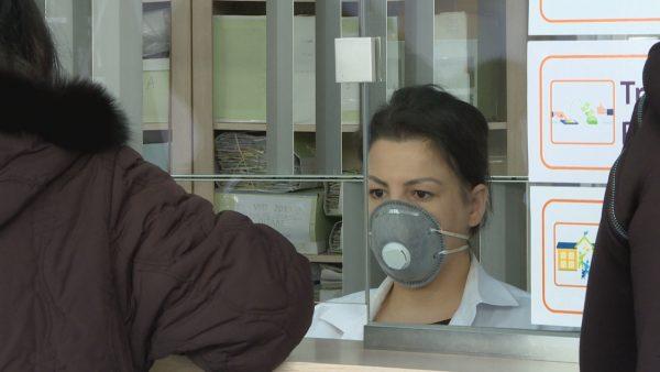 Koronavirusi në Shqipëri, paqartësi nëpër sportele për shërbimet që ofrohen