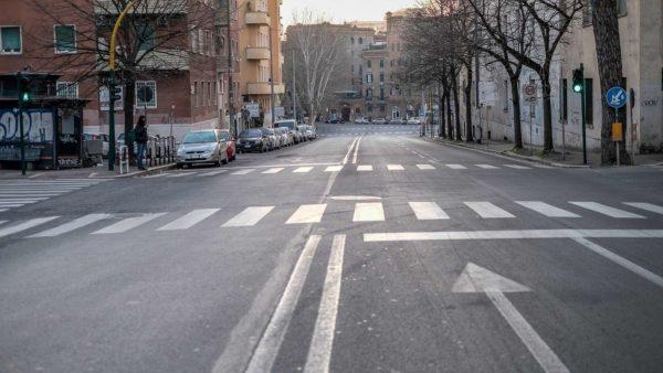 Dekreti i ri i Conte-s zbraz Romën
