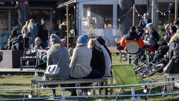 Nuk u mbyll gjatë pikut të pandemisë, ekonomia suedeze, e goditur më pak