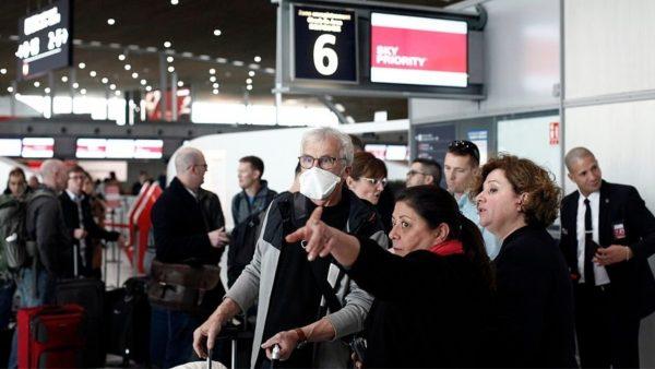 Trump bllokon fluturimet, amerikanët në Europë paguajnë edhe 20 mijë dollarë për biletat e fundit