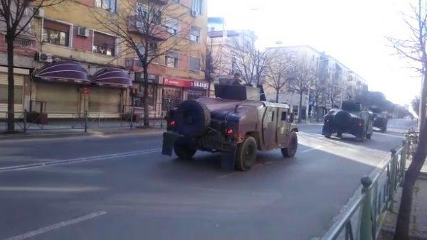 Shkelën masat e emergjencës, Policia e Shtetit gjobit qindra qytetarë