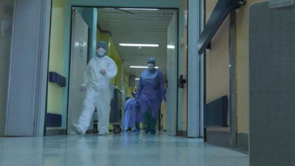 Pandemia goditi rëndë shëndetësinë, OBSH: Virusi mund të ketë vrarë deri në 180 mijë punonjës