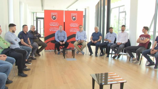 Futbolli është gati, arbitrat seminar për rifillimin e kampionatit