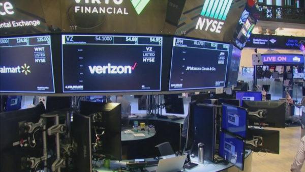 Pandemia në SHBA, zbuten kufizimet, rikthehen bursat në New York