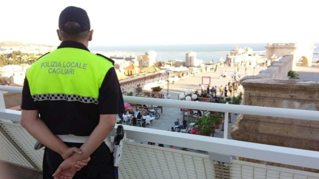 Policia ne itali koronavirusi 1100x620