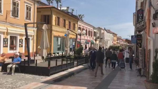 """Shkodra """"zonë e kuqe"""", distancimi dhe masat parandaluese janë harruar"""