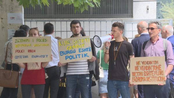 Protesta për Teatrin, lirohen të ndaluarit e së dielës