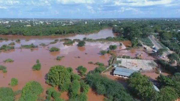 Pandemi, pasiguri në ushqime, tashmë edhe përmbytje në Afrikë