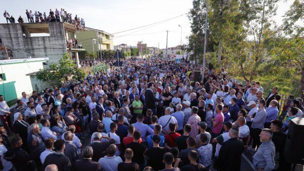 Basha mes qytetarëve në Durrës, reagon Rama: Të rrezikosh jetën për të luajtur një pllakë gramafoni
