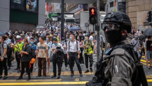 Miratohet ligji kontrovers, Kina shton përpjekjet për kontrollin e Hong Kongut