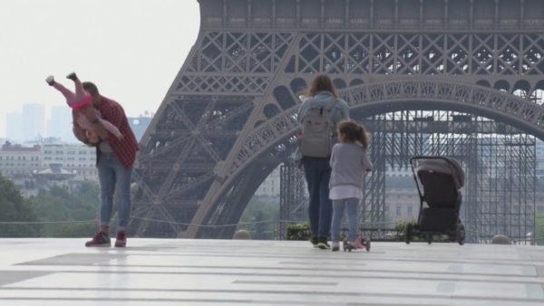 Mbi 270 mijë viktima në botë, vijon trendi pozitiv në Evropë, zbuten më tej kufizimet
