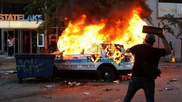 SHBA, protesta në mbi 30 shtete. Vriten një 19-vjeçar dhe një polic