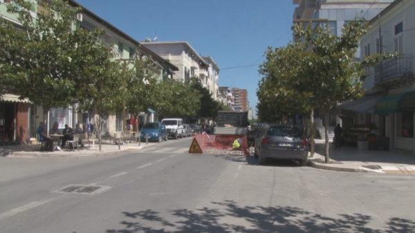 """""""Shqepen"""" sërish rrugët e Durrësit"""