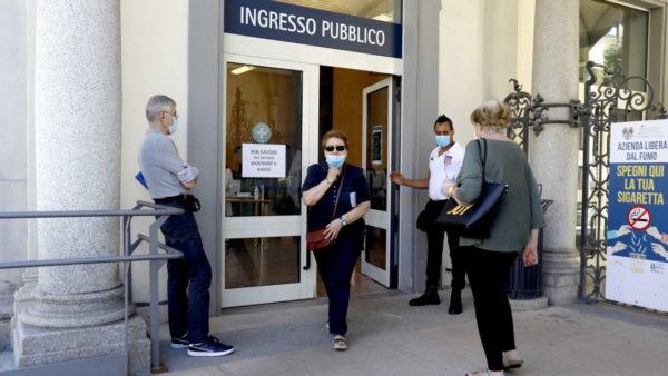 Koronavirusi, Italia vijon me hapa të ngadaltë drejt shërimit