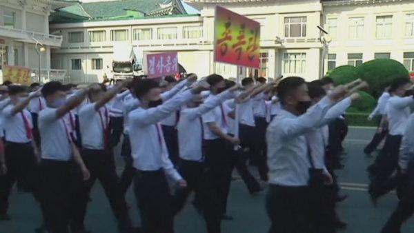 Grindja për fletëpalosjet, Koreja e Veriut ndërpret linjat e komunikimit me Jugun