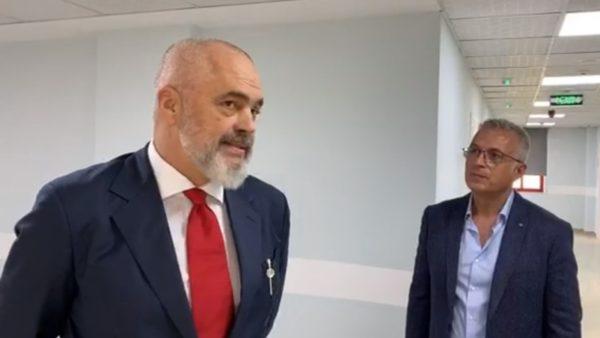 Kryeministri Rama në spitalin e ri Covid: Rreziku është i madh për një valë të dytë