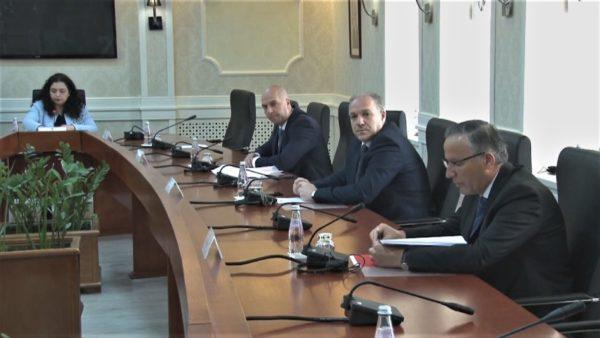 Qeveria e re në Kosovë, seanca e votimit mbahet të mërkurën