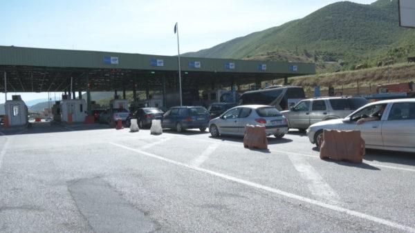 Mbi 6 mijë shtetas nga Kosova hyjnë drejt Shqipërisë