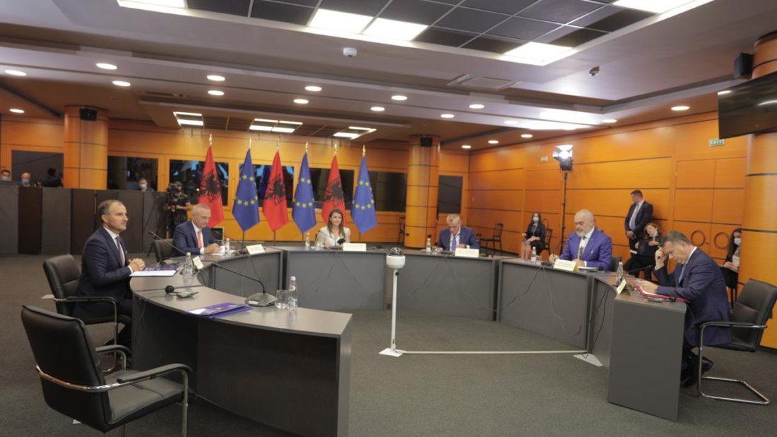 Keshilli i Integrimit Europian tryeza 9 qershor 5 1100x620