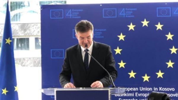 Lajçak: S'ka marrëveshje Kosovë-Serbi pa BE-në