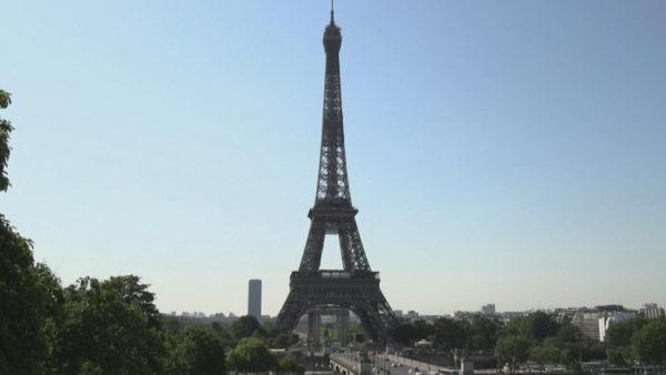 Parisi rigjallëron turizmin, rihapet kulla Eiffel pas 3 muajsh mbyllje