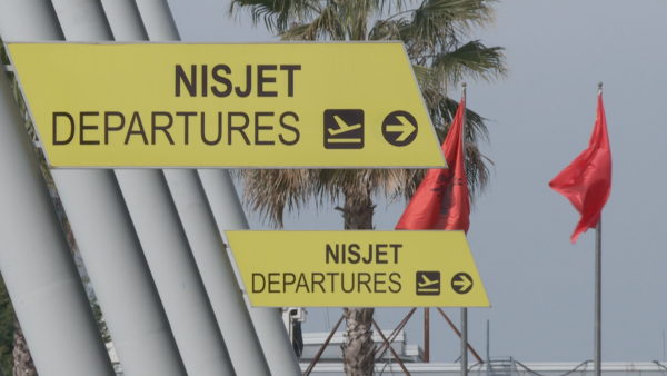 Rinisin zyrtarisht fluturimet, jo të gjithë mund të udhëtojnë për shkak të kufizimeve