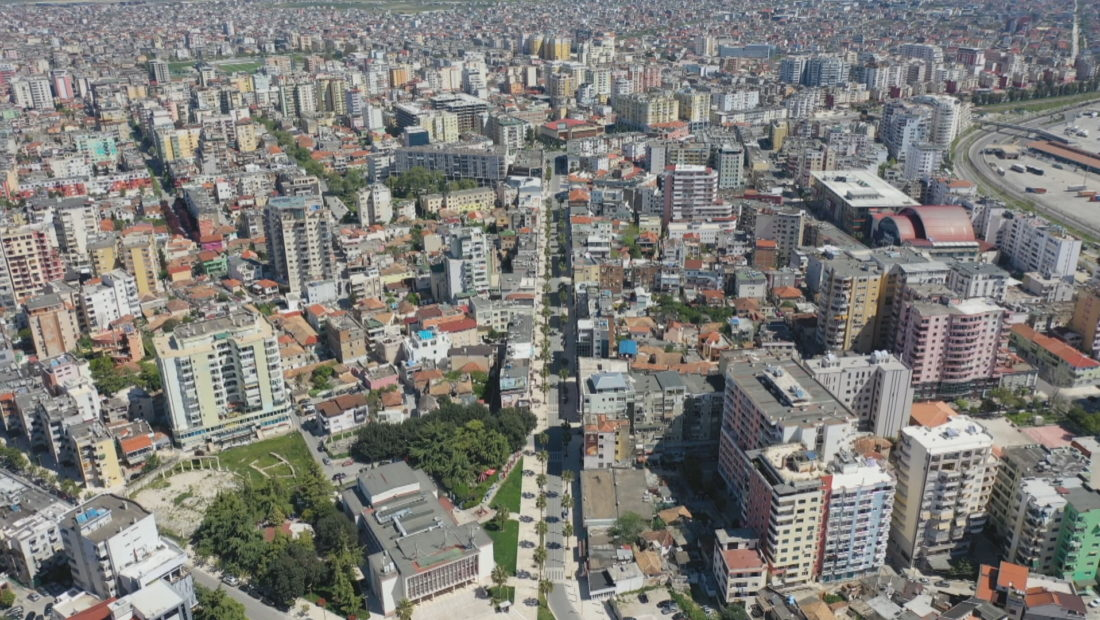 Tirana nga larte pallatet  1100x620