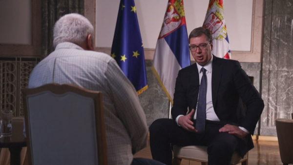 Mes perëndimit, Rusisë dhe Kinës, Serbia për dialogun me Kosovën: Jo me flamur të bardhë