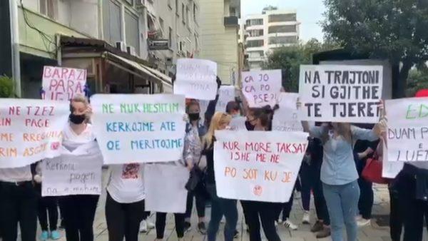 Paga e luftës, protestë në Durrës nga punonjësit e fasonerisë