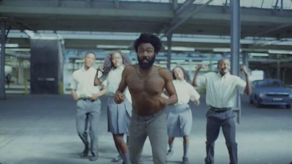 Protesta kthen vëmendjen tek këngët kundër racizmit
