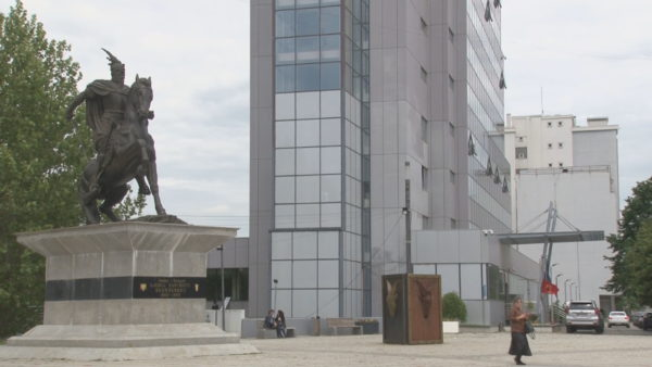 Shtimi i rasteve në Kosovë, ekspertët: Përshëndetuni me zemër, jo me duar