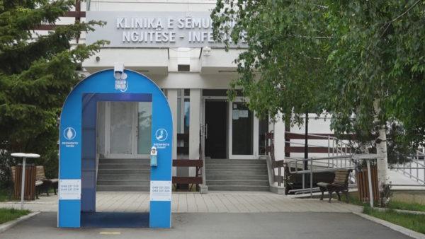 Pandemia në Kosovë, ministri Zemaj: Kufizimet nuk kthehen, shtojmë testimet