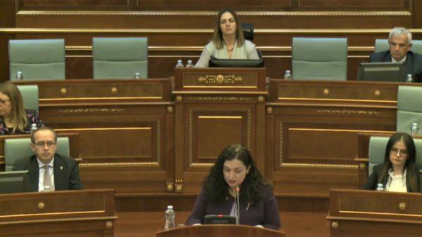 Dialogu me Serbinë, në Kuvend debate të ashpra për reciprocitetin